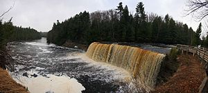 Tahquamenon Falls - Image: Upper Tahquamenon falls Panoramic view