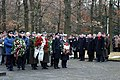 Vainagu nolikšanas ceremonijā pie Mūžīgās Uguns Brāļu kapos (4094782359).jpg