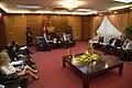 Vicecanciller se reúne con el Viceministro del Ministerio de Industria y Comercio de Vietnam (8413084259).jpg