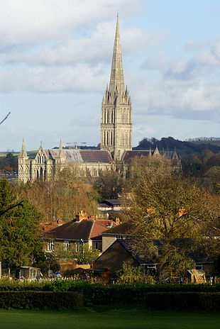 """<a href=""""http://search.lycos.com/web/?_z=0&q=%22Salisbury%20Cathedral%22"""">Salisbury Cathedral</a> from Harnham Hill"""