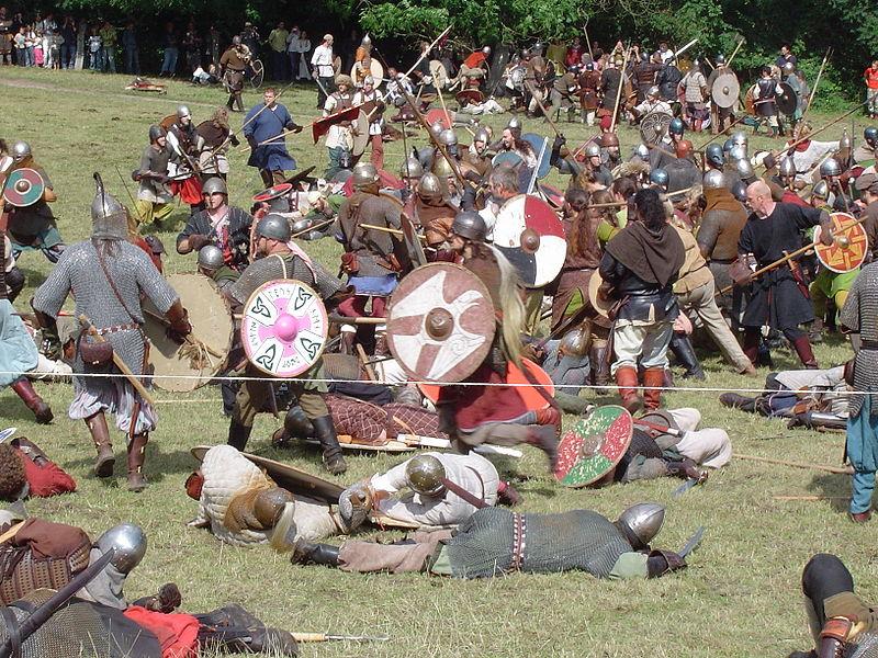 800px-Vikings_fight.JPG