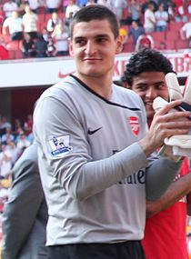 Mannone with Arsenal in 2009