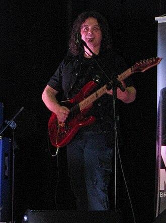 Vinnie Moore - Vinnie Moore playing in Brusque, Santa Catarina, Brazil, in 2010