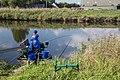 Voornse kanaal vissende vrouw wedstrijd.jpg