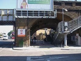 Wanstead Park stn entrance.JPG