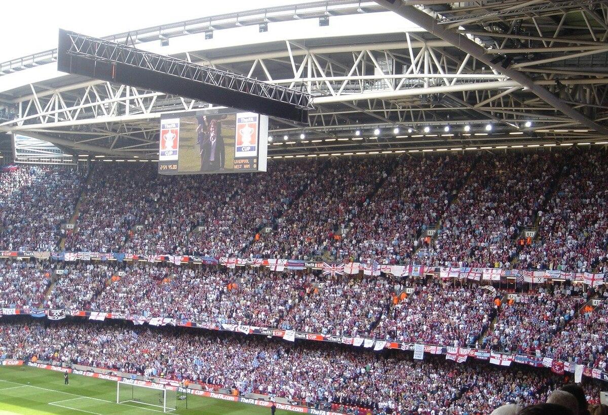 West Ham United F C  supporters - Wikipedia