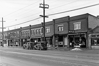 Lytton Park - View of Lytton Park from Yonge Street, south of Craighurst Avenue in 1935.