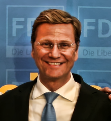 Westerwelle Europawahl 2009 cropped.png