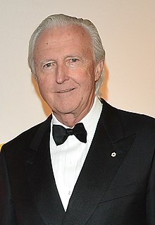 Willard Gordon Galen Weston at the CFC Gala 2013.jpg