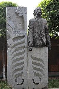 William Saroyan's grave, Yerevan 03.jpg