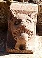 Yermo église Santa Maria corniche S modillon 19a.jpg