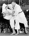 Yoshimatsu vs. Daigo in 1951.jpg