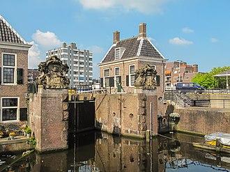 Zaandam - Image: Zaandam, sluis foto 3 2011 04 17 16.05