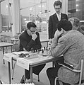 Zone-schaaktoernooi te Berg en Dal , Teschner tegen D M Lopez, Bestanddeelnr 911-8329.jpg