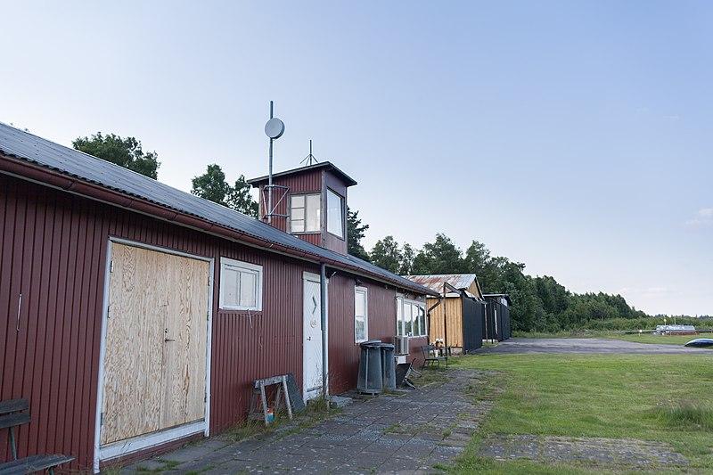 File:Älmhult airfield - panoramio (1).jpg