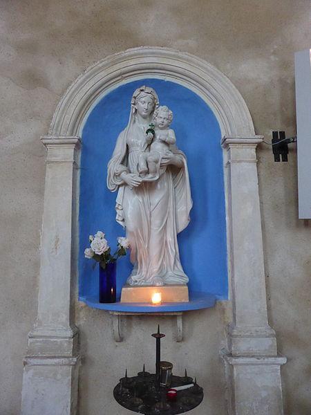 Statue de la Vierge à l'enfant en l'église Saint-Éloi-Saint-Jean-Baptiste de Crécy-Couvé, en Eure-et-Loir.