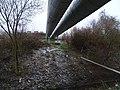 Čakovice, teplovod přes Červenomlýnský potok.jpg