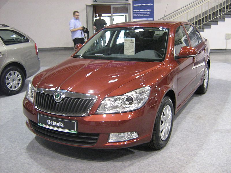 800px-%C5%A0koda_Octavia_II_Facelift_Lif