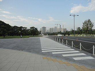 Japan National Route 1 - Image: 日比谷通り panoramio (1)