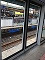 신도림 역의 스크린도어.jpg