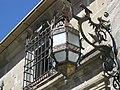 104 Fanal de ferro forjat vora la Casa de las Torres.jpg
