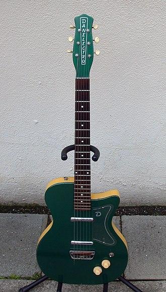Danelectro U2 - Image: 1956 Jade Green Danelectro U2
