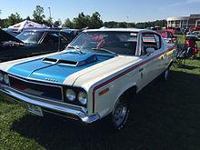 1970 AMC Rebel - The Machine - muscle car in white with RWB trim 4-speed AMO 2015 meet 1of4.jpg