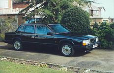 1987 Volvo 740GLE.jpg