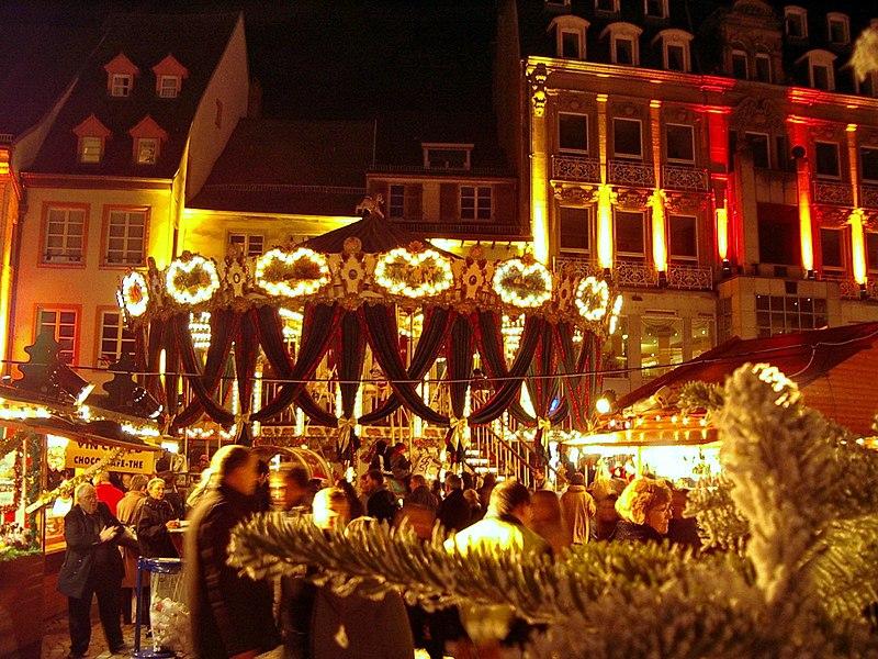 File:2003 12 14 Mulhouse marché de Noël.jpg