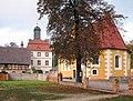 20061016040DR Lindenau (OL) Schloßkirche und Torhaus.jpg