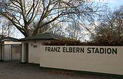 2009-11-22 Bonn-Beuel Eingang Franz-Elbern-Stadion