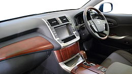 2009 Toyota Crown-Majesta 03.jpg