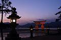 201201-TaroTokyo-Itsukushima-Torii-DSC09162.jpg