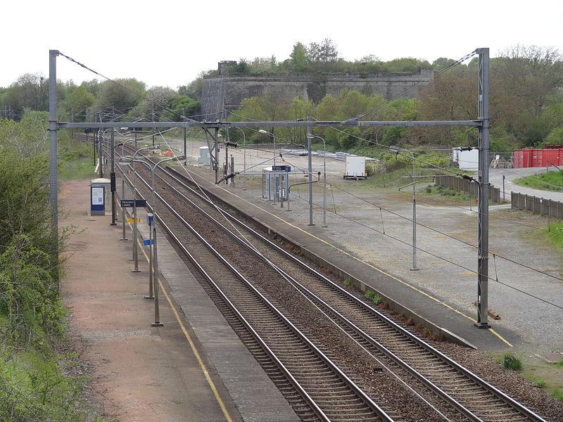 Gare de Louverné (Mayenne). Vue des quais.