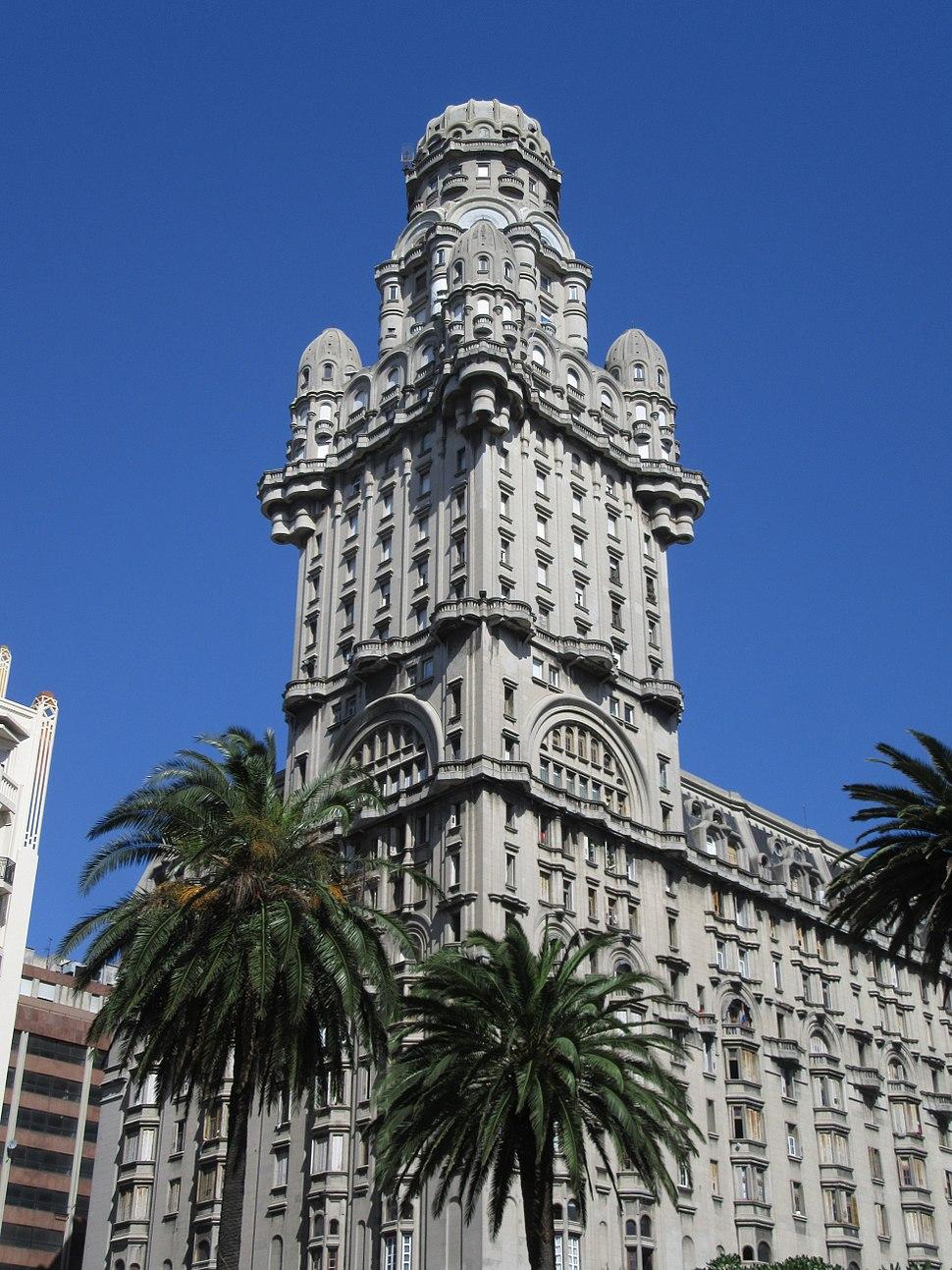 2016 Montevideo Torre del Palacio Salvo