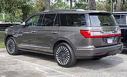 2018 Lincoln Navigator, rear left.jpg