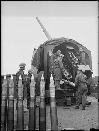 4th Home Counties Brigade, Royal Field Artillery - 4.5-inch AA gun and crew of 207 Battery, 58th HAA Regiment, near Sittingbourne, Kent, January 1941