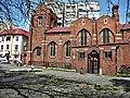 4. Bucuresti, Romania. Biserica Anglicana. 19 Aprilie 2020. Si copilul fuge putin speriat de atata pustietate.jpg