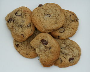 English: Half a dozen home-made cookies. Ingre...