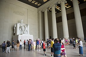 A view of the Lincoln Memorial.jpg