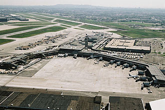 Montréal–Pierre Elliott Trudeau International Airport - International jetty under construction in 2004.