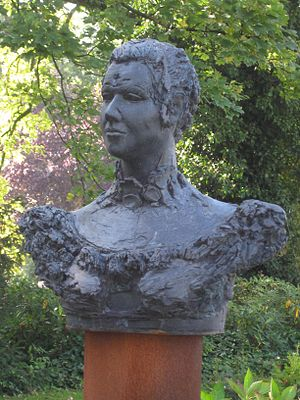 Agnetapark - Bust in the park of its namesake Agneta Matthes
