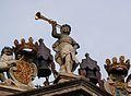 Al·legoria de la Fama, ajuntament de Pamplona.JPG