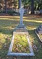 Alexander Mackonochie Grave.jpg
