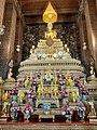 Altar at Wat Pho.jpg