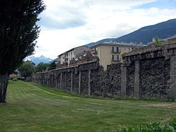 Ancient Roman wall in Aosta abc1.JPG
