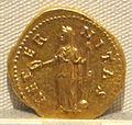 Antonino pio, aureo per faustina maggiore divinizzata, post 141, 02.JPG