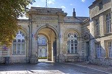 Photographie montrant la préfecture d'Arras en 2011