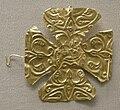 Arte longobarda, crocetta d'oro sbalzata, VII sec.JPG