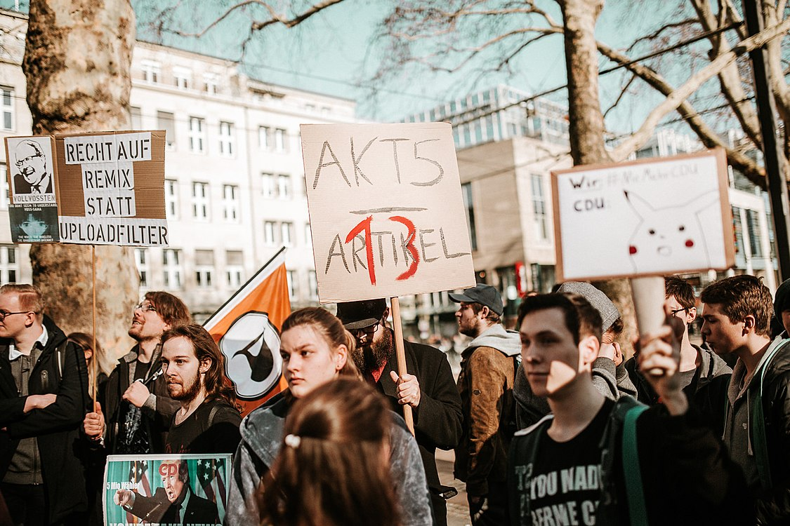Artikel 13 Demonstration Köln 2019-02-16 013.jpg